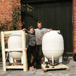 Feeling eggcited! New clayvers for our natural wine 2020 vintage. #naturalwines #organicwines #organicvineyard #biologischewijngaard #biodynamicwine #clayver